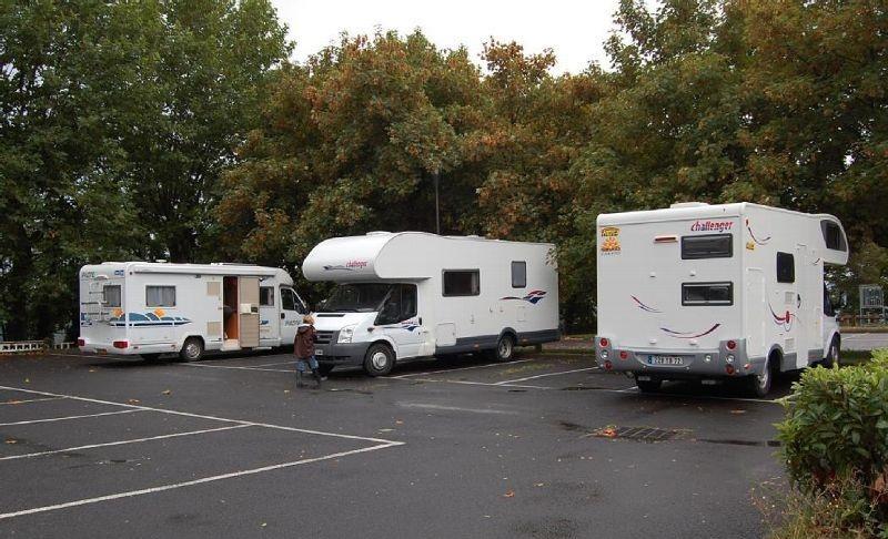 trouver un gardien de camping car lyon articles du net. Black Bedroom Furniture Sets. Home Design Ideas